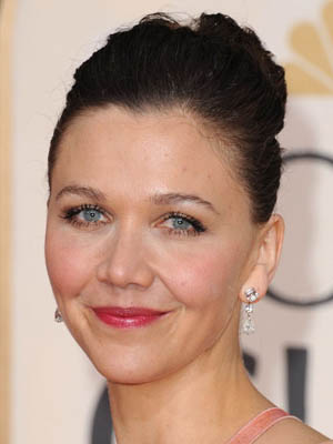 Maggie Gyllenhaal at the 2010 Golden Globe Awards 2010-01-17 15:34:22