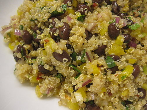 Healthy and Quick Black Bean Quinoa Salad Recipe