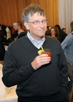 Bill Gates Talks About Twitter and Blogging, Loves Diet Coke