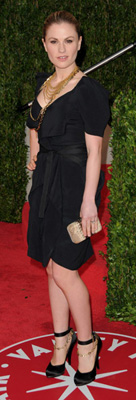 Anna Paquin Wears Black to Vanity Fair Oscar Party