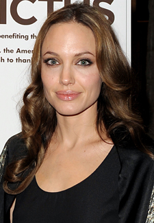 Angelina Jolie and Darren Aronofsky To Adapt Ron Rash's Serena: A Novel for the Big Screen 2010-03-01 11:00:25