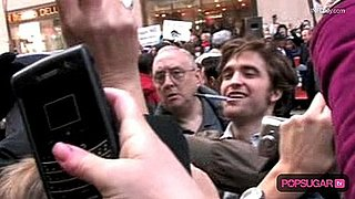 Robert Pattinson at The Today Show 2010-03-01 09:46:05