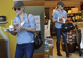 Photos of Reese Witherspoon Shopping in LA Without Jim Toth After Her Trip to Washington DC on Behalf of Avon