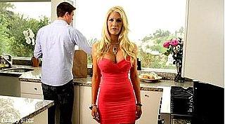 Link Time — Watch Heidi Montag Spoof Her Over-the-Top Plastic Surgery