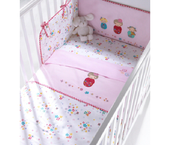 Izziwotnot Modern Cherry Blossom Bedding