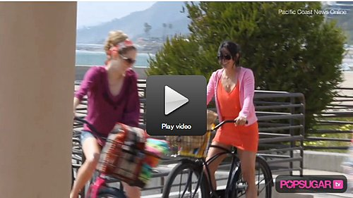Courteney Cox Bikes and Drinks on the Beach For Cougar Town!