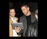 We <3 Jake Gyllenhaal and He <3s the iPad