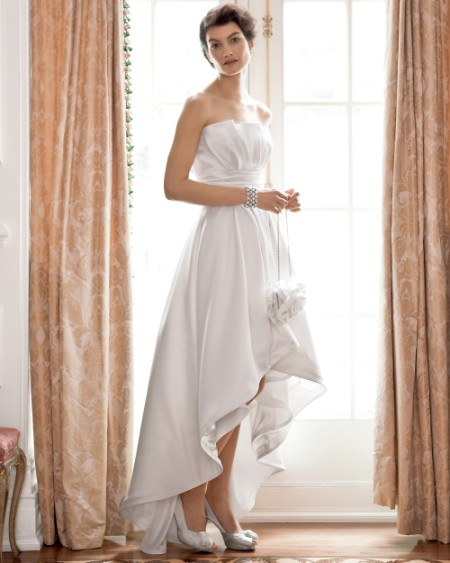 10 Fabulously Nontraditional Wedding Dresses