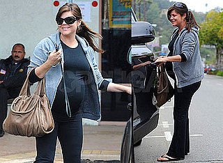 Pictures of Pregnant Tiffany Amber Thiessen Shopping