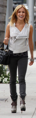 Kristin Cavallari Wears Gray Skinny Jeans and Suede Boots in LA