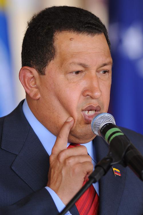 Hugo-Chavez-Invites-Fidel-Castro-Join-Twitter.jpg