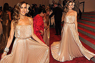 Pictures of Sarah Jessica Parker in Halston at the 2010 Costume Institute Gala