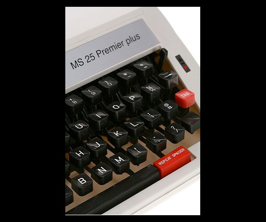 Photos of Olivetti Manual Typewriter