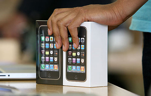 iPhone 4 Launching in June