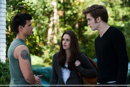 Twilight Saga:Eclipse Clip Shows Robert Pattinson Angry (VIDEO)