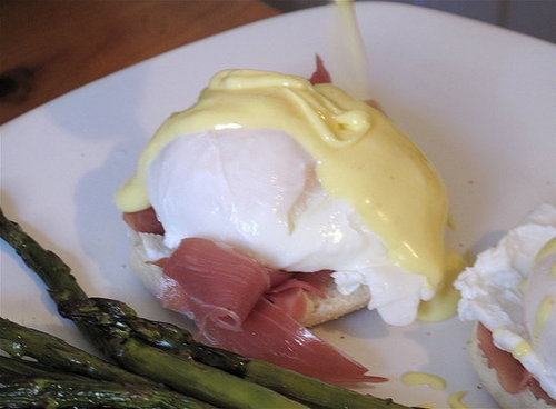 Step by Step Photos of How to Poach an Egg