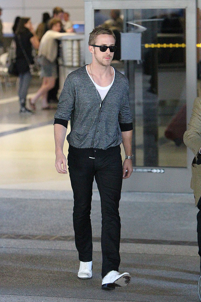 I wish more guys would dress (and look!) like Ryan Gosling. Sigh.