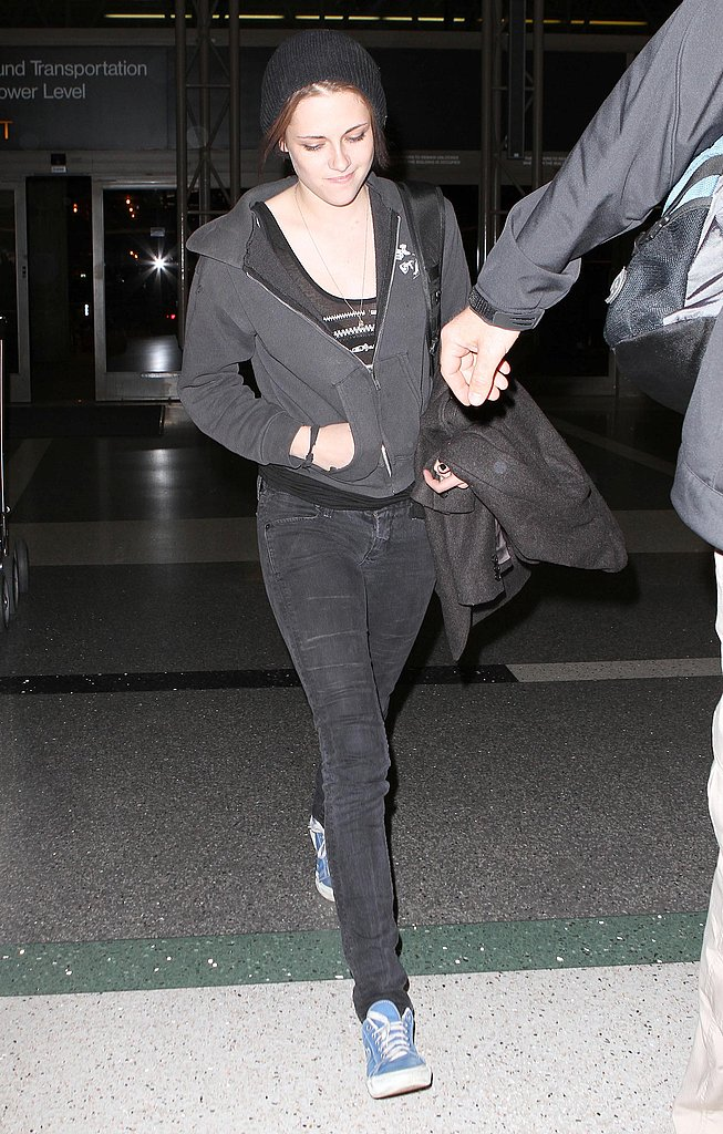 Pictures of Kristen Stewart at LAX