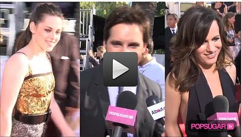 Exclusive Video: Kristen Stewart and The Twilight Cast on the MTV Movie Awards Red Carpet!