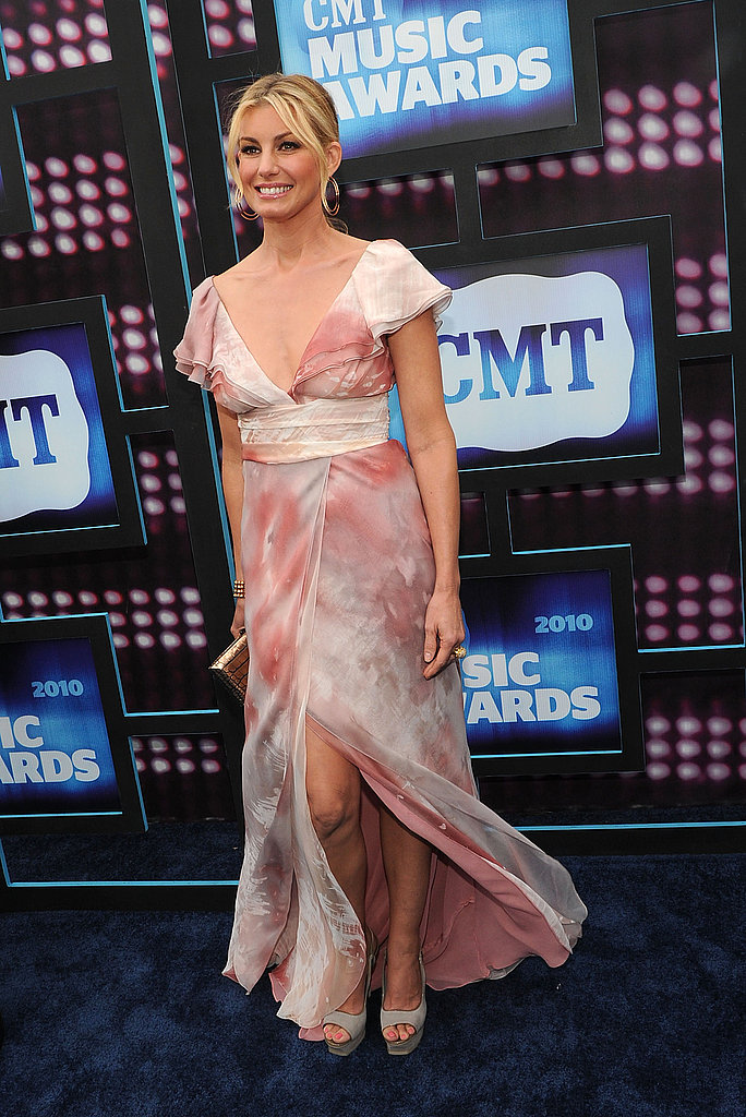 Faith Hill in romantic J. Mendel.