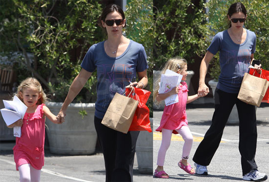 Pictures of Jennifer Garner and Violet Affleck