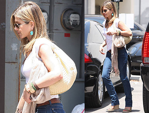 Pictures of Jennifer Aniston in LA — Exclusive Quotes From Brooklyn Decker on Just Go With It