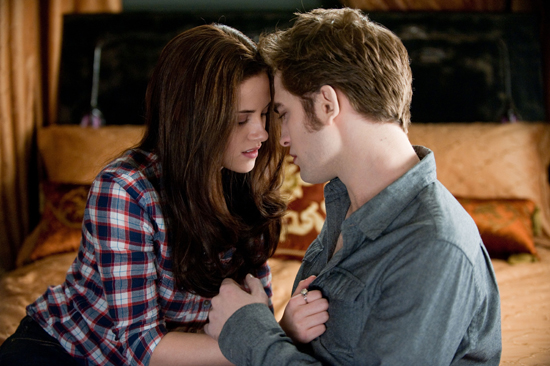 Bella and Edward Get a Room, er Bed