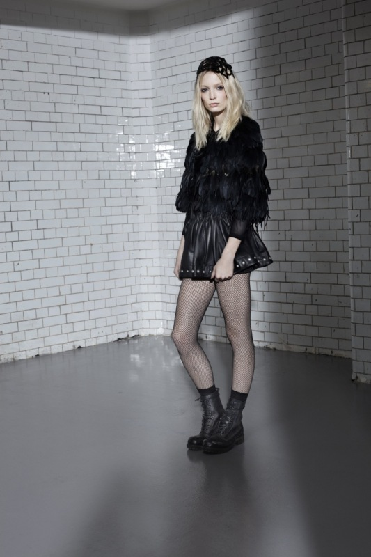 Sneak Peek! Topshop's Cozy, Sexy, Cool Autumn/Winter '10