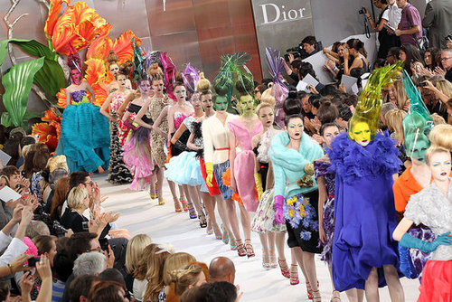 Fotos von Christian Dior Couture Show Herbst Winter 2010 in Paris