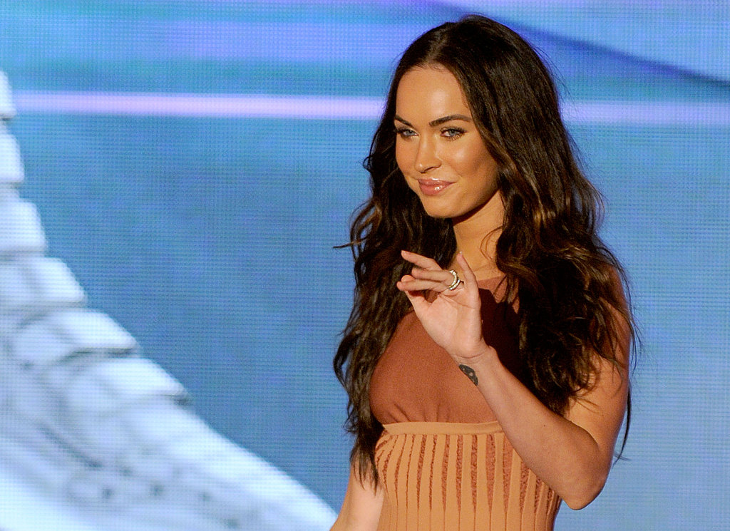 Megan Fox, Ashlee Simpson and Kellan Lutz Join Together to Do Something