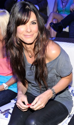 Sandra Bullock Wears Waxed J Brand Jeans to the 2010 Teen Choice Awards