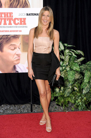 Jennifer looks adorable in this two-tone Lanvin dress, always smiling!