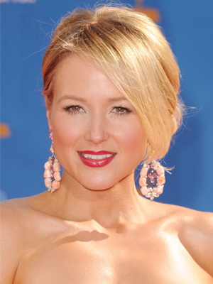 Jewel at 2010 Emmy Awards