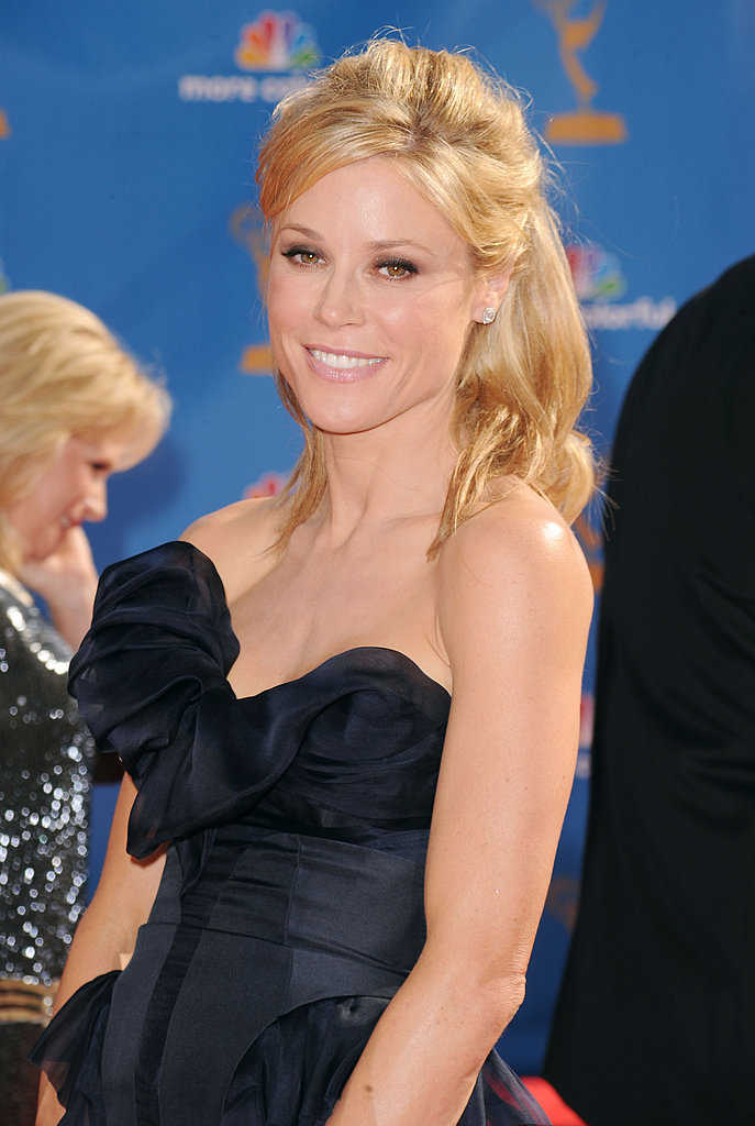 Julie Bowen's protruding bodice screams chic.