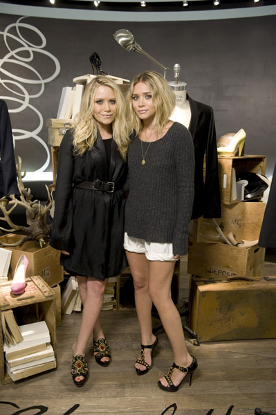 Mary-Kate and Ashley Olsen also visited in 2009 to promote their new collection for Elizabeth and James. Who was more Fab?