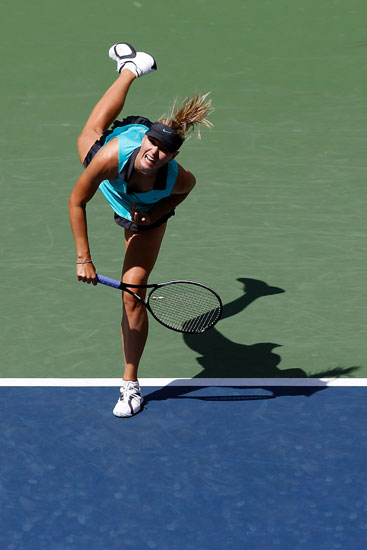 Sharapova Shows Off Her Skills