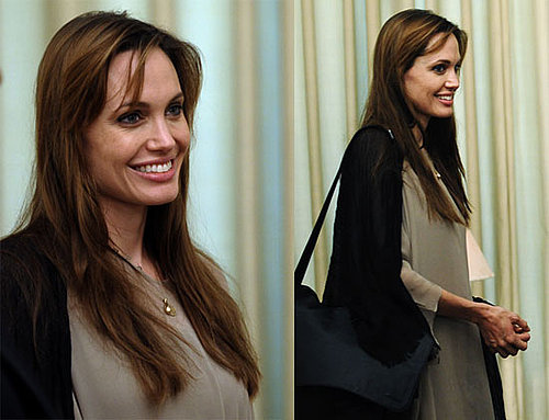 Pictures of Angelina Jolie Smiling in Pakistan