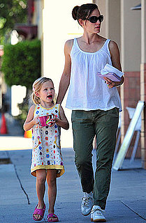 Pictures of Jennifer Garner and Violet Affleck Stopping For Yogurt in Santa Monica