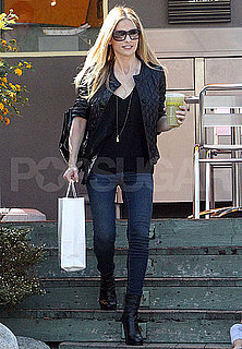 Pictures of Sarah Michelle Gellar Grabbing Coffee in LA