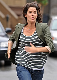 Robin Scherbatsky Style on How I Met Your Mother 2010-10-12 12:00:00