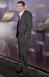 Pictures of Clive Owen Promoting in Spain 2010-10-20 17:00:38