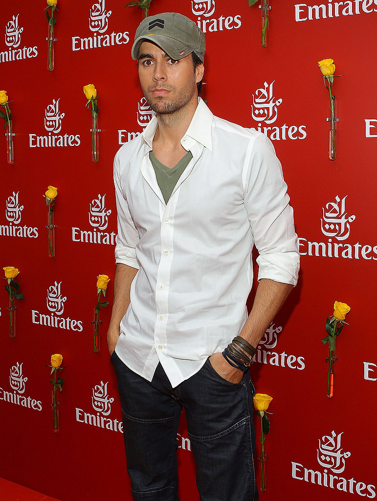 Enrique Iglesias looked so happy to be there, um, not.