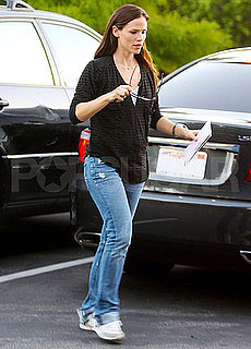 Pictures of Jennifer Garner Voting in LA