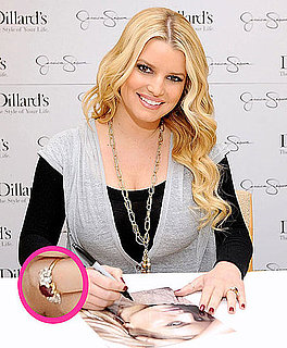 Pictures of Jessica Simpson's Engagement Ring! 2010-11-14 09:11:17