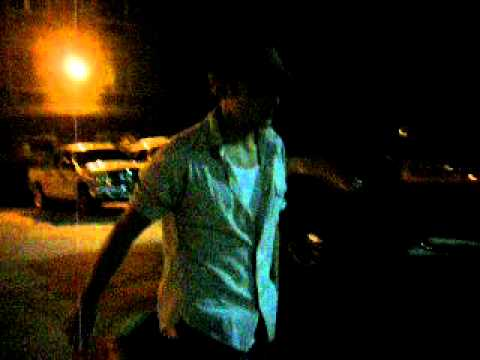James Holzier Chased by Paparazzi - VIDEO