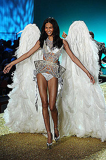 Pictures From the Victoria's Secret Fashion Show Unveiled 2010-11-10 20:30:55