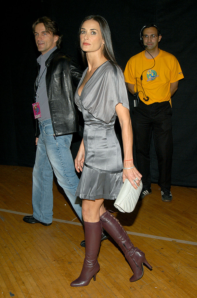Working a hot dress and boots combo at the 2003 MTV Movie Awards.