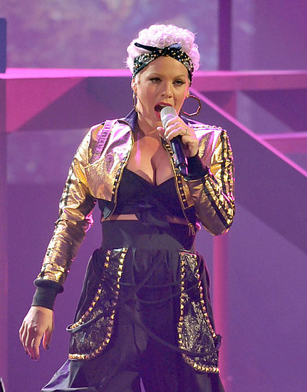 Pink Performing at AMAs