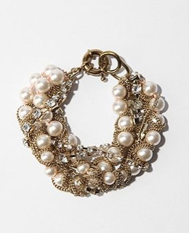 This would make a sweet addition to any little holiday outfit.  UO Pearl Chain Bracelet ($38)