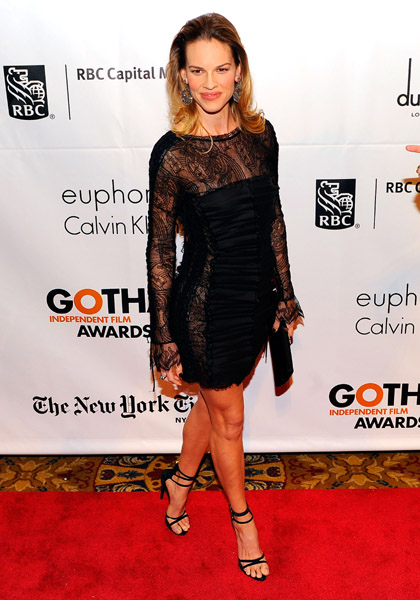 This week, Hilary Swank got in on the sexy black lace trend and looked extra hot while doing it!